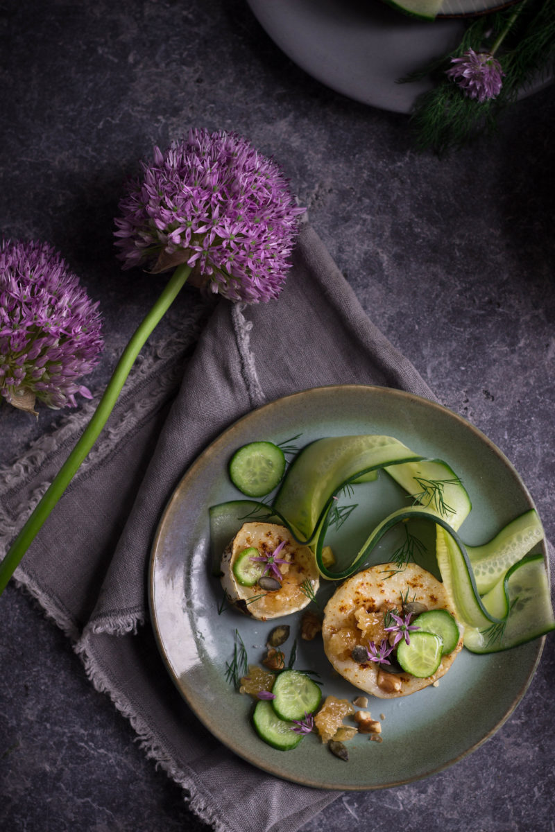 Caramelised goats cheese with pickled cucumbers, walnuts and honey